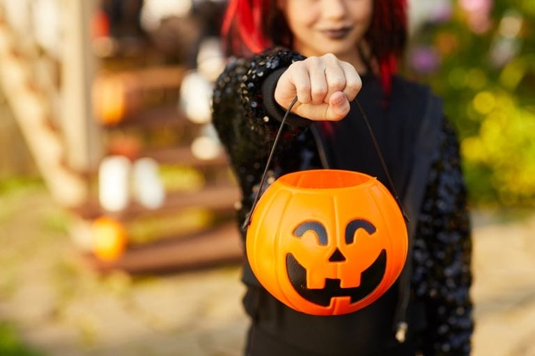 """HOW APARTMENT AND CONDO BUILDING MANAGERS CAN MANAGE THE """"TRICKS"""" OF KEEPING HALLOWEEN SAFE IN 2020"""